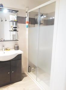 A bathroom at Les Tamaris