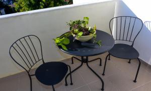 A balcony or terrace at Lefka Hotel & Apartments