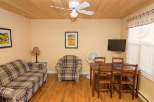 אזור ישיבה ב-Jake & Jo's Cottages