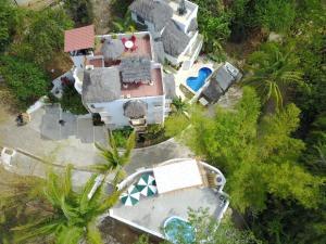 A bird's-eye view of Mar y Sueños Apartments