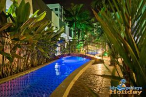 สระว่ายน้ำที่อยู่ใกล้ ๆ หรือใน Arcadia Beach Resort