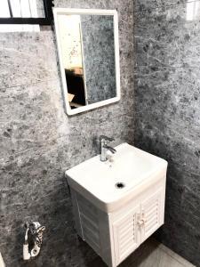 A bathroom at PD Perdana Homestay Pool side