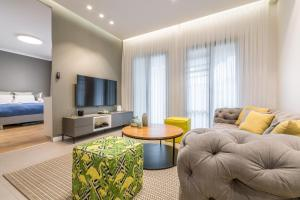 A seating area at Luxury 2BR+Washrooms, Pool,parking, Balcony North Beach area