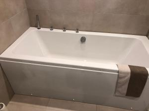 Ванная комната в Jõe Apartments
