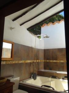 A bathroom at Casa Real Barichara