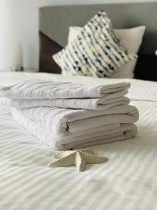 Ένα ή περισσότερα κρεβάτια σε δωμάτιο στο LETNANY Apartments - Standerova Prague
