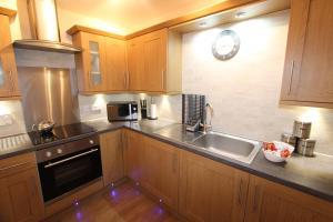 A kitchen or kitchenette at 35a Miller Street Inverness Scotland