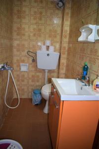 Een badkamer bij Apartments Pantazis