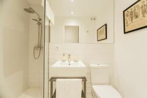 A bathroom at CSE Pajaritos