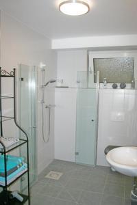 Ein Badezimmer in der Unterkunft Ferienwohnung Klötsch
