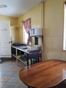 A kitchen or kitchenette at Chapito's Apartment 3