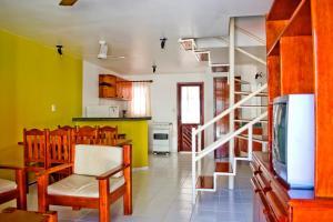 A kitchen or kitchenette at Residencial Nazareth - Tonziro