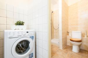 A bathroom at Na Zborenci Design Apartments