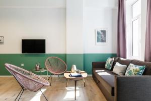 A seating area at Boutique Central Apartments Acropolis View