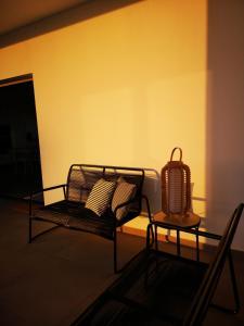 A seating area at Villa Montaña Colorada