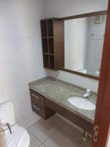 A bathroom at Terraços do Atlântico FS