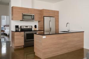 A kitchen or kitchenette at Sonder — Penny Lane