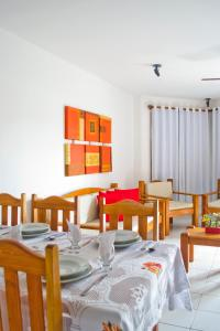 A restaurant or other place to eat at Residencial Mont Sinai - Tonziro
