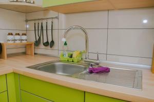 Kuhinja oz. manjša kuhinja v nastanitvi Apartma Lovriž