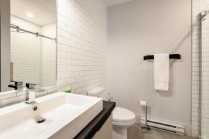 Salle de bains dans l'établissement Les Lofts St-Pierre by Les Lofts Vieux Québec