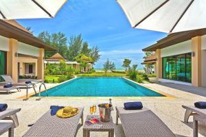 The swimming pool at or near Ataman Luxury Villas