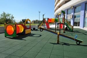 Aire de jeux pour enfants de l'établissement Oceano Atlantico Apartamentos Turisticos
