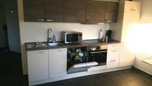 A kitchen or kitchenette at Studio am Waldrand