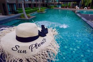 The swimming pool at or close to Pixels Cape Panwa Condo 89/133