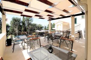 Restoran ili neka druga zalogajnica u objektu Villa Fani