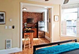 A kitchen or kitchenette at Boston Newbury