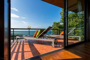 A balcony or terrace at The Lookout Samui