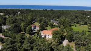 A bird's-eye view of Villa Leonardo