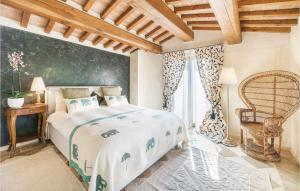 A bed or beds in a room at Paola´s Villa