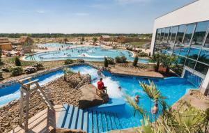 Vista de la piscina de Holiday home Christoph Columbus Z o d'una piscina que hi ha a prop