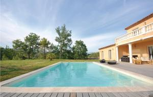 The swimming pool at or near Holiday Home Chemin 18