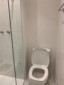 Um banheiro em Apartio JK & Faria Lima