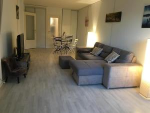 A seating area at Apartment Location appartement arcachon, 2 pièces, 4 personnes