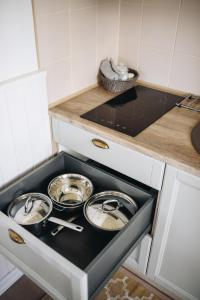 Ett kök eller pentry på Villa Frieda