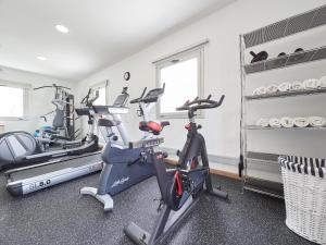 The fitness center and/or fitness facilities at BarcelonaForRent The Central Place