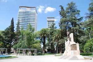 La pileta dentro o cerca de Hospedate en departamento en Ciudad de Mendoza