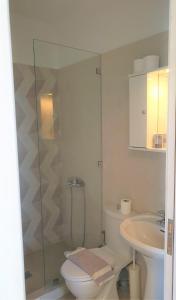 A bathroom at Kathys Island Retreat