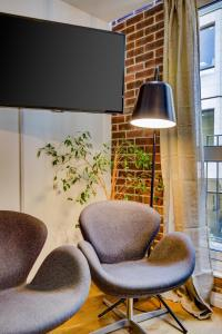 A seating area at CLHH Covent Garden Penthouse