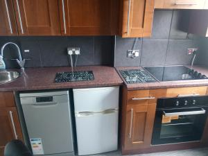 A kitchen or kitchenette at Mowbray Apartments