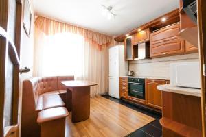 Una cocina o kitchenette en Квартира 53
