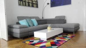 A seating area at Apartment Jakubská 676