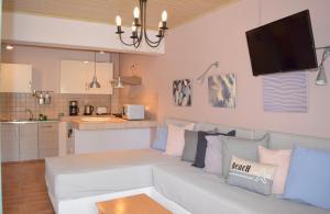 A seating area at Simatos Apartments & Studios