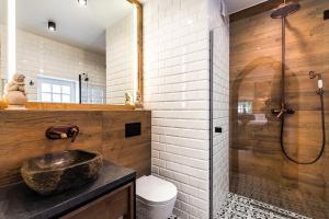 A bathroom at Gotyk House