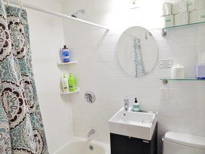 A bathroom at Boston Huge 1 BR Best Location (H2B)