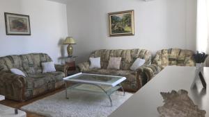 A seating area at Apartman Mostar Centar 2