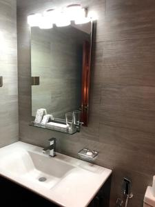 A bathroom at Villa Mount Royal
